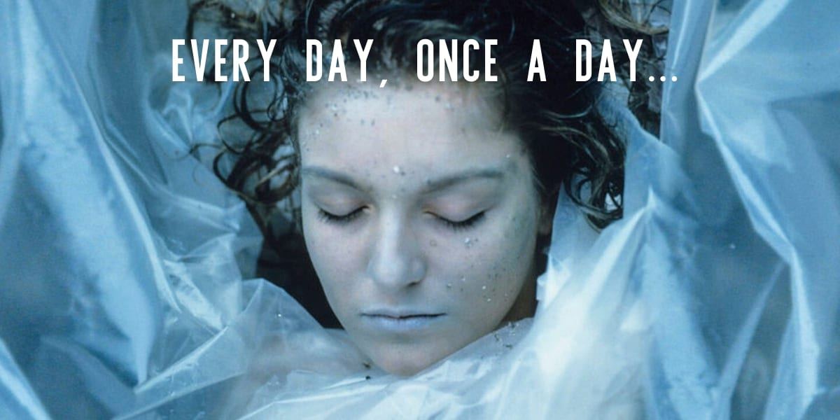 Laura Palmers dead body wrapped in plastic