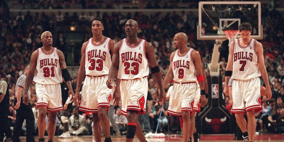 The Chicago Bulls of the mid-90s walk down the court