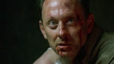 Henry Gale/Ben Linus with a bloody face in Lost Season 2