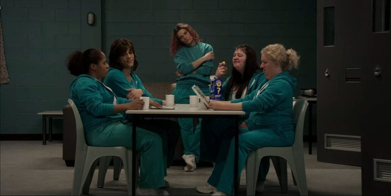 Bea Smith and the other women of H2 gather in their common area.