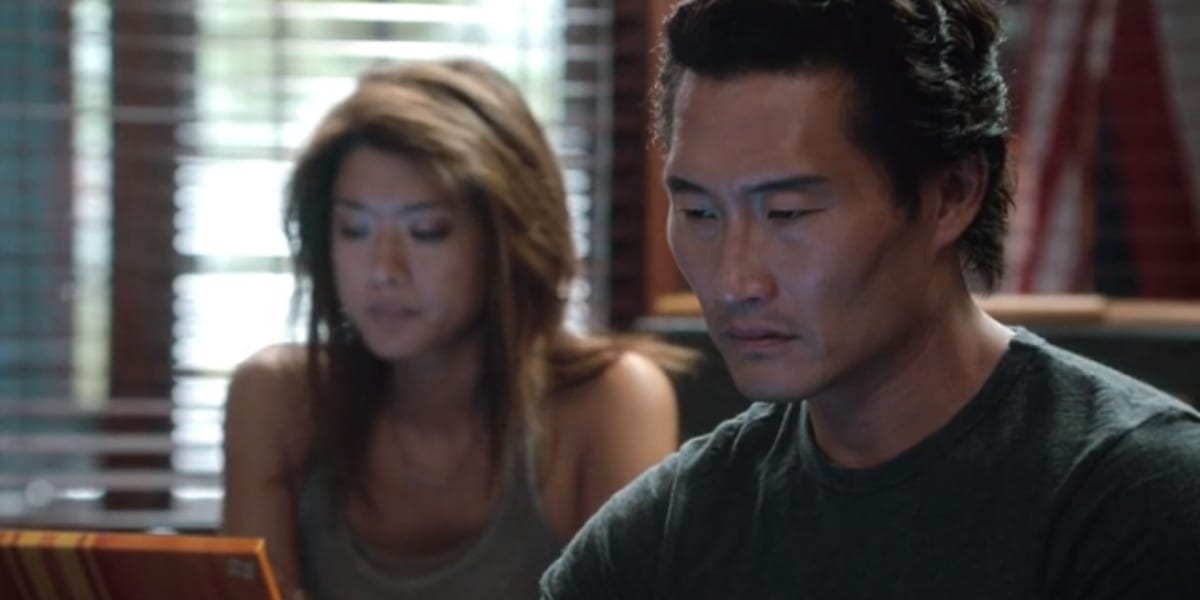 Kono and Chin in the Season 3 premiere of Hawaii Five-0, looking at their computers, Chin looking pained and intense, Kono looking sad but focused