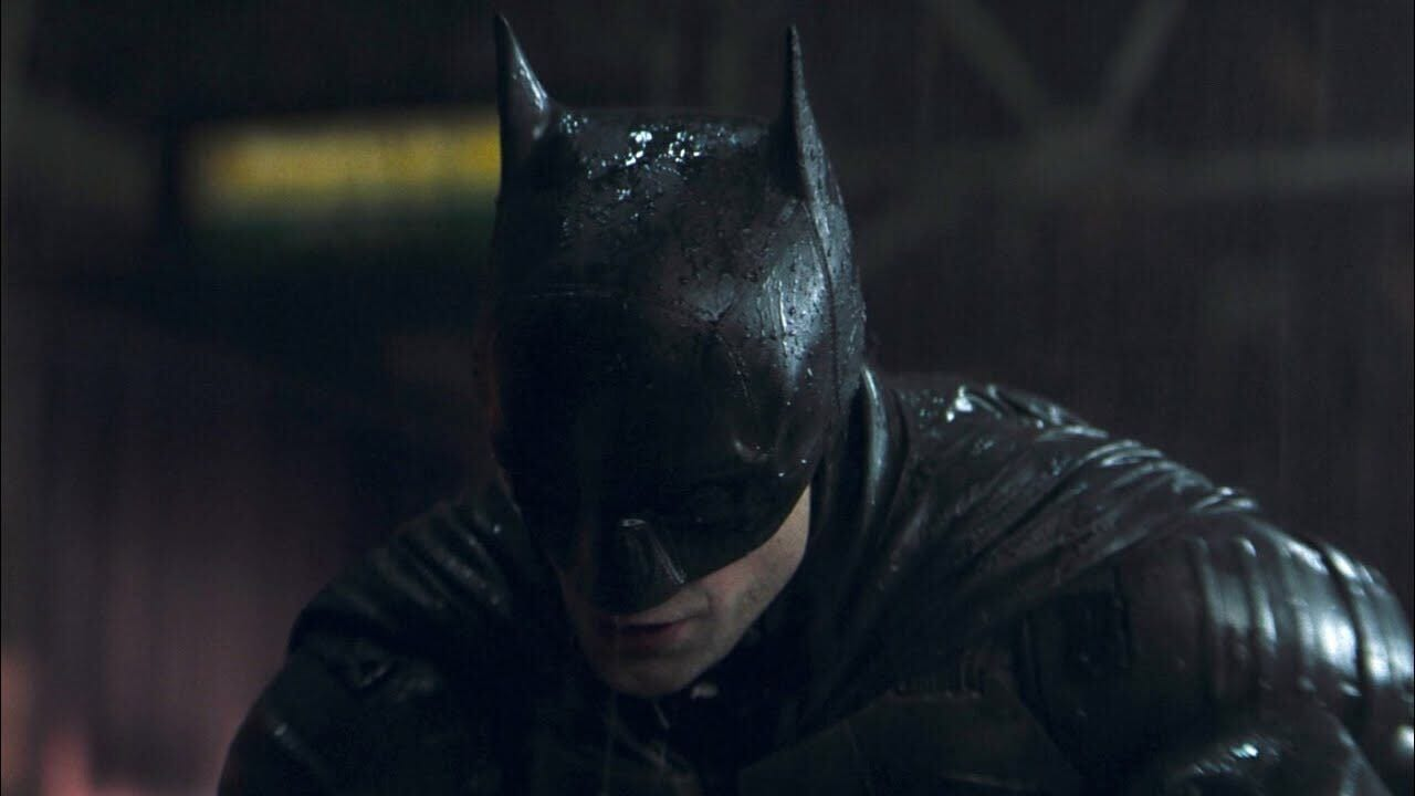 Batman looking downwards in The Batman trailer