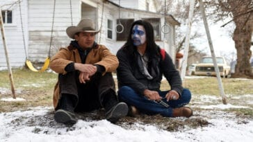 Cory (Jeremy Renner) consoles Martin (Gil Birmingham) in Wind River