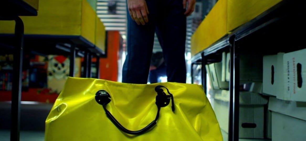 Lee's yellow bag