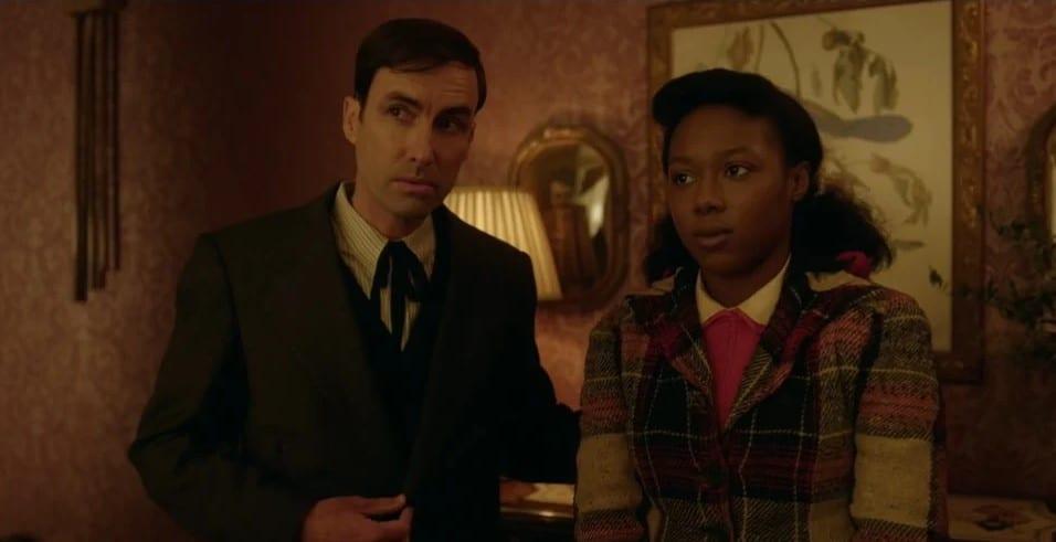 Andrew Bird as Thurman Smutney and E'myri Crutchfield as Ethelrida Pearl Smutney in Fargo Season 4