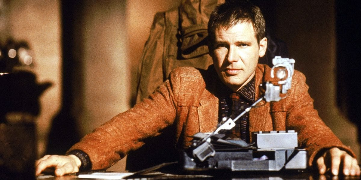 Deckard about to carry out an Voight-Kampff Test