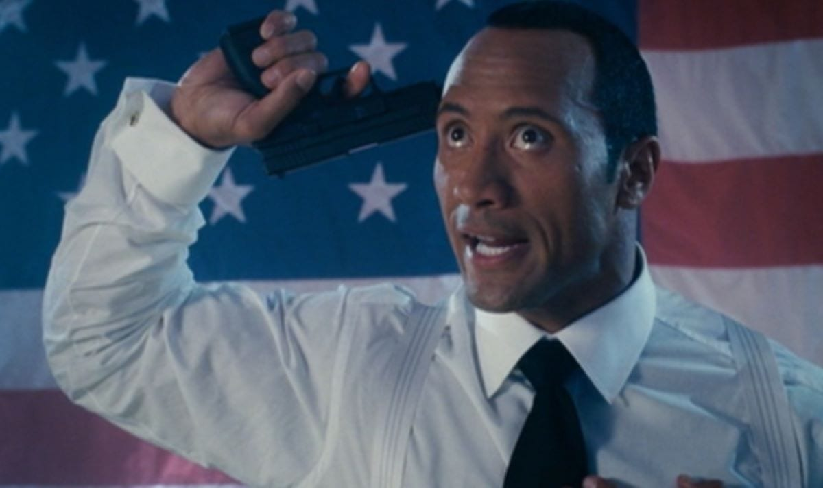 Boxer Santaros threatens suicide in the finale of Southland Tales