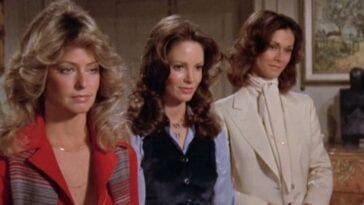 Jill, Kelly and Sabrina in Charlie's Angel pilot episode