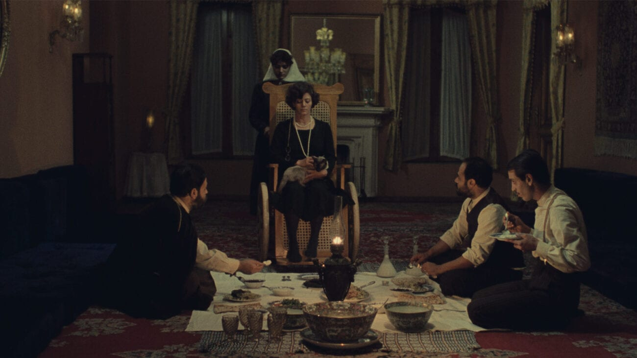 A family dinner in Chess of the Wind