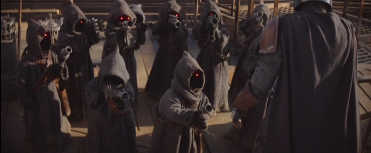 Jawas group together to fight off the Mandalorian