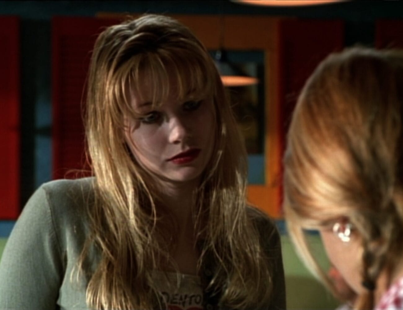 In the diner, Lily looks at Buffy, concerned