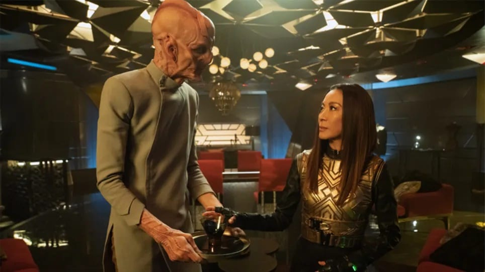 Saru (Doug Jones) and Georgiou (Michele Yeoh) on the bridge of the Discovery in the Mirror Universe