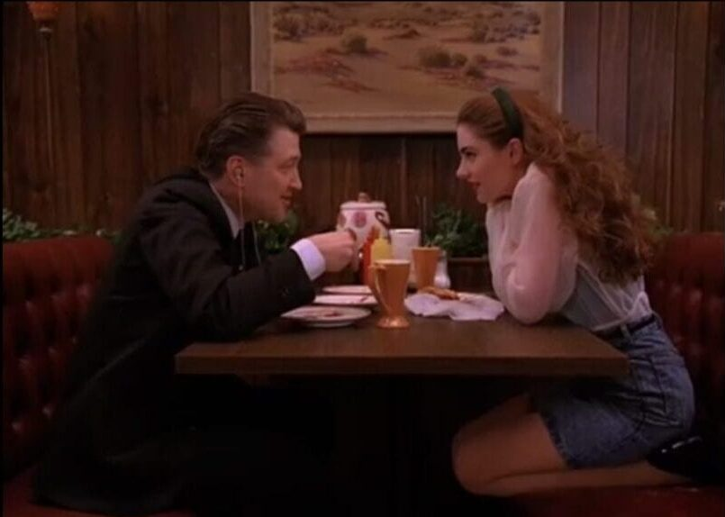 Gordon Cole and Shelly talk over plates of pie in Twin Peaks Episode 26