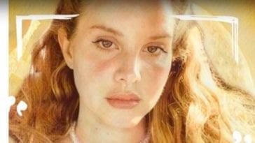 Lana Del Rey Blue Banisters image