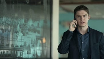 Detective Zabel (Evan Peters) on the phone