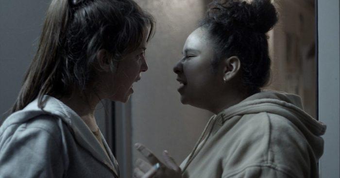Novinha berates an intern at the facility